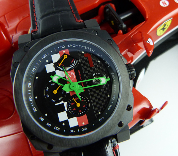 Velloce Rosso racing watch with Ferrari model